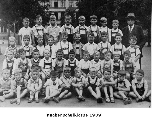 Gutenberg Knabenschulklasse 1939.jpg