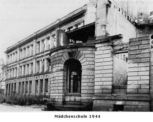 Maedchenschule 1944